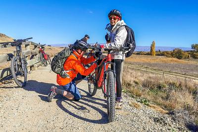 20210501 Fred & Janet - Otago Rail Trail - Johns mob 201