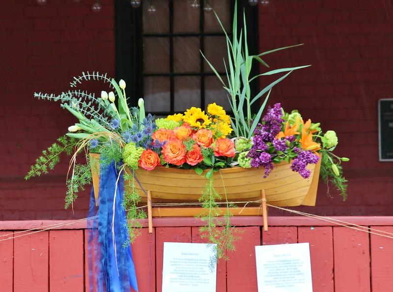 Middletons May Day Basket/Ship