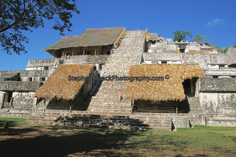 ACROPOLIS IS THE LARGEST STRUCTURE AT EK' BALAM. IT CONTAINS THE TOMB OF UKET KAN LEK TOK, ONE OF EK' BALAM'S RULERS.