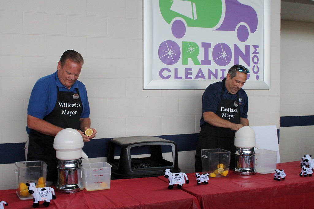 . Kristi Garabrandt - The News-Herald� <br> Willowick Mayor Rich Regovich and Eastlake Mayor Dennis Morley battle it out in a Lemon Squeeze rematch at Classic Park to benefit the Miracle League of Lake County, Aug. 18.