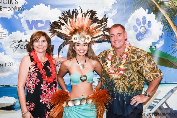 Mayor and First Lady's Paw-lynesian Dog Ball