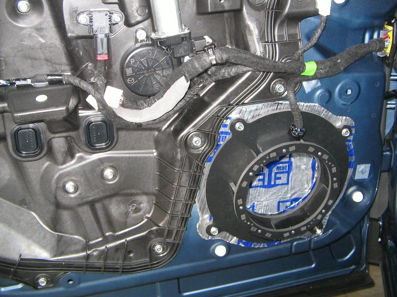 "<a href=""http://www.car-speaker-adapters.com/items.php?id=SAK102""> Speaker adapter</a>   and     <a href=""http://www.car-speaker-adapters.com/sounddeadener.php""> Fatmat Sound Deadener</a>   from Car-Speaker-Adapters.com installed on door"