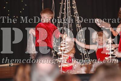 McCance Dance Xmas Recital 12-20-06 036