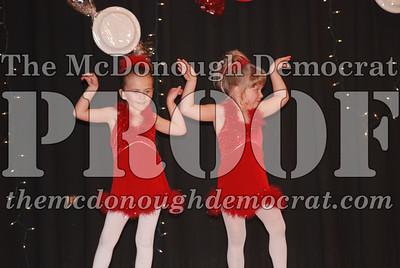 McCance Dance Xmas Recital 12-20-06 045