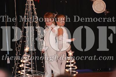 McCance Dance Xmas Recital 12-20-06 015