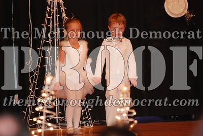 McCance Dance Xmas Recital 12-20-06 013