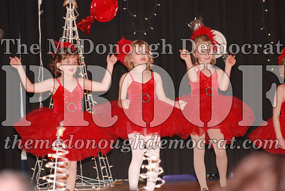 McCance Dance Xmas Recital 12-20-06 023