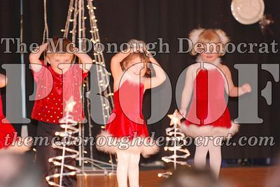 McCance Dance Xmas Recital 12-20-06 004