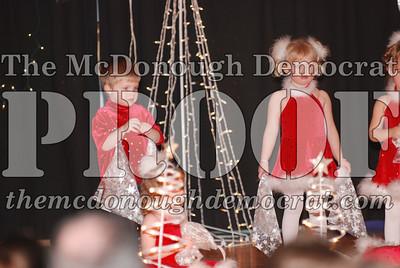 McCance Dance Xmas Recital 12-20-06 037