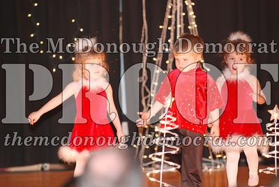 McCance Dance Xmas Recital 12-20-06 005