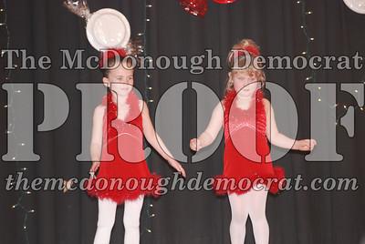 McCance Dance Xmas Recital 12-20-06 044