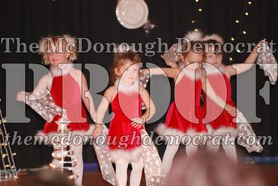 McCance Dance Xmas Recital 12-20-06 032
