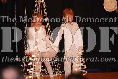 McCance Dance Xmas Recital 12-20-06 010