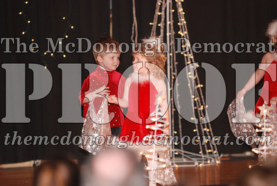 McCance Dance Xmas Recital 12-20-06 035