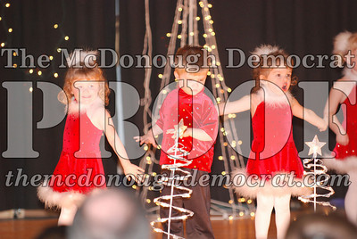 McCance Dance Xmas Recital 12-20-06 006