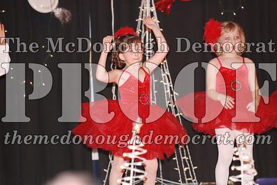 McCance Dance Xmas Recital 12-20-06 020