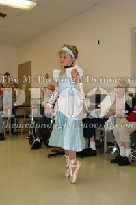 McCance Dancers Perform at PC Nursing Home 08-16-06 023