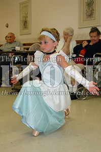 McCance Dancers Perform at PC Nursing Home 08-16-06 025