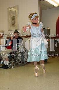 McCance Dancers Perform at PC Nursing Home 08-16-06 018