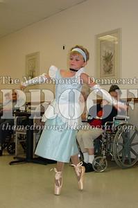 McCance Dancers Perform at PC Nursing Home 08-16-06 019