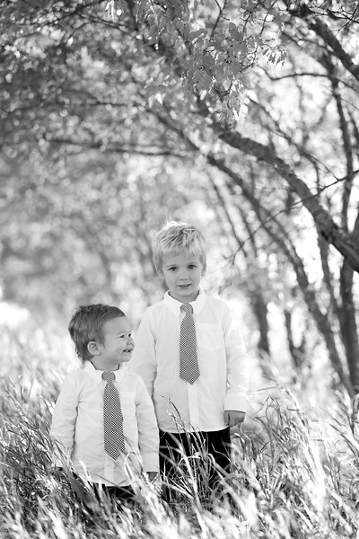 03bw Jacob+Wyatt | Nicole Marie Photography