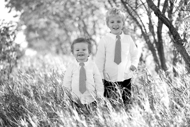 09bw Jacob+Wyatt | Nicole Marie Photography