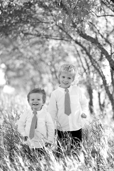 07bw Jacob+Wyatt | Nicole Marie Photography