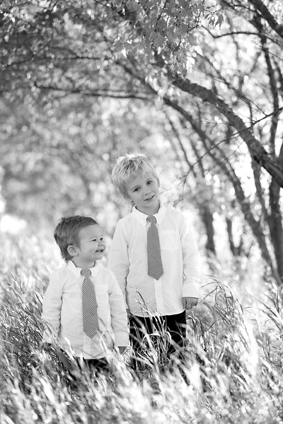 04bw Jacob+Wyatt | Nicole Marie Photography