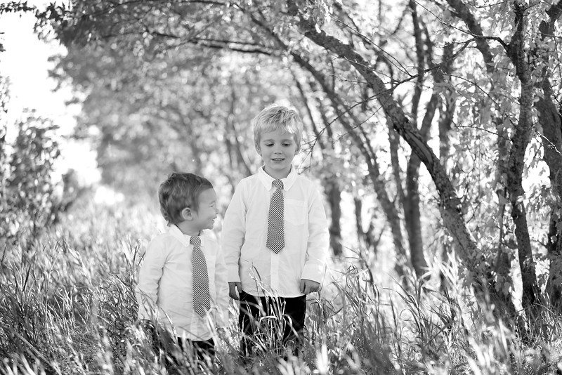 01bw Jacob+Wyatt | Nicole Marie Photography