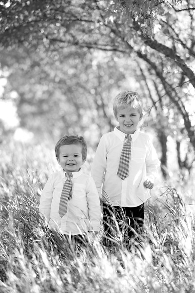 06bw Jacob+Wyatt | Nicole Marie Photography