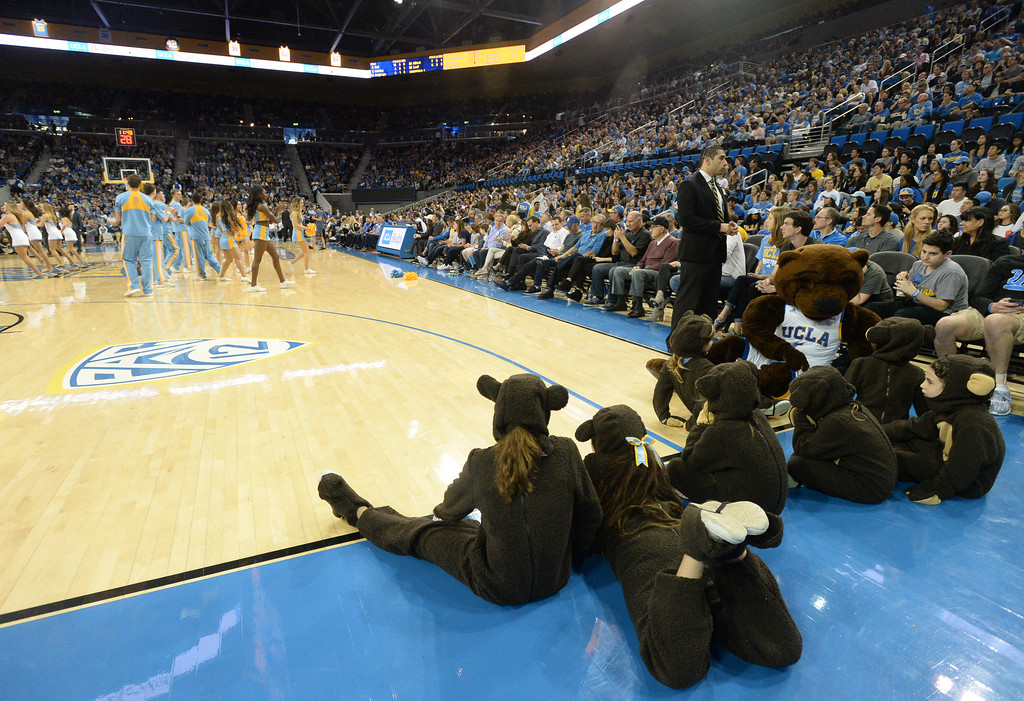 . Young UCLA Bruin cub mascots watch from court side against Oregon State in a PAC-12 men\'s basketball game at Pauley Pavilion Sunday, February 12, 2017, Westwood, CA.  UCLA won 78-60. UCLA BRUINS vs. OREGON STATE BEAVERS Photo by Steve McCrank, Daily Breeze/SCNG