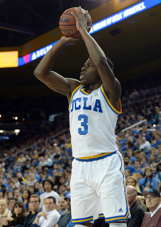 . UCLA\'s Aaron Holiday (3) hits a basket from the corner uncovered by Oregon State in a PAC-12 men\'s basketball game at Pauley Pavilion Sunday, February 12, 2017, Westwood, CA.  UCLA led at the half 32-27. UCLA BRUINS vs. OREGON STATE BEAVERS Photo by Steve McCrank, Daily Breeze/SCNG