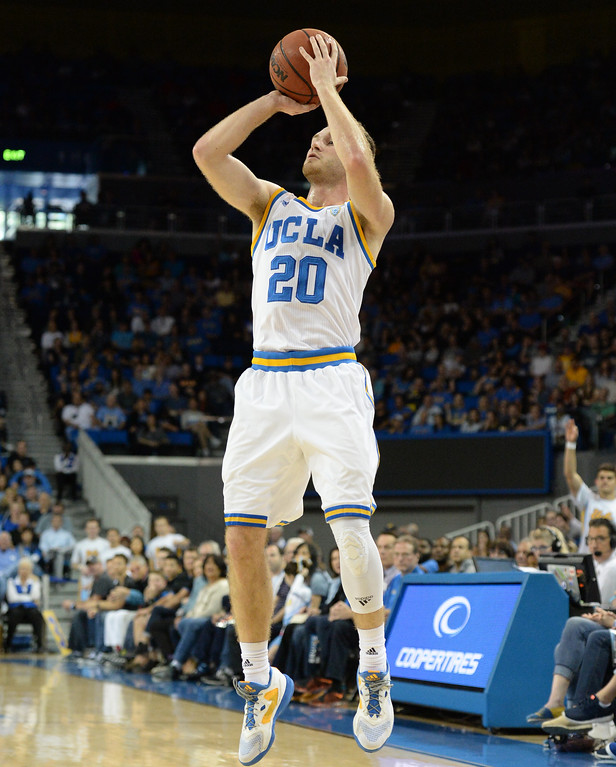 . UCLA\'s Bryce Alford (20) was dangerous beyond the three point line against Oregon State in a PAC-12 men\'s basketball game at Pauley Pavilion Sunday, February 12, 2017, Westwood, CA.  UCLA led at the half 32-27. UCLA BRUINS vs. OREGON STATE BEAVERS Photo by Steve McCrank, Daily Breeze/SCNG