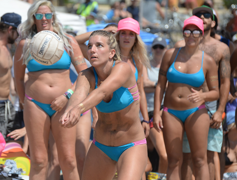 . Team Horny Unicorny makes a return in the finals of the Charlie Saikley 6-Man Beach Volleyball tournament Saturday, August 05, 2017, Manhattan Beach, CA.  Team Fletch won the men\'s open competition and Horny Unicorny won the women\'s. (Photo by Steve McCrank, Daily Breeze/SCNG)