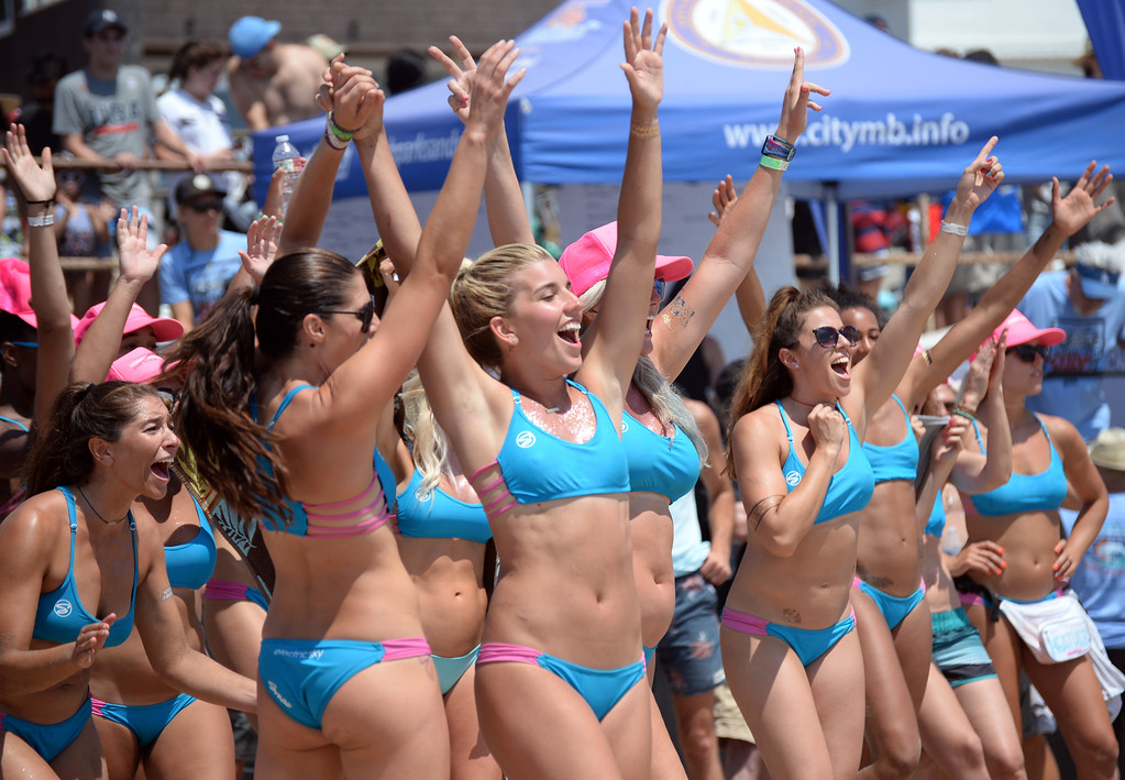 . Team Horny Unicorny celebrates as they near a win in the finals of the Charlie Saikley 6-Man Beach Volleyball tournament Saturday, August 05, 2017, Manhattan Beach, CA.  Team Fletch won the men\'s open competition and Horny Unicorny won the women\'s. (Photo by Steve McCrank, Daily Breeze/SCNG)