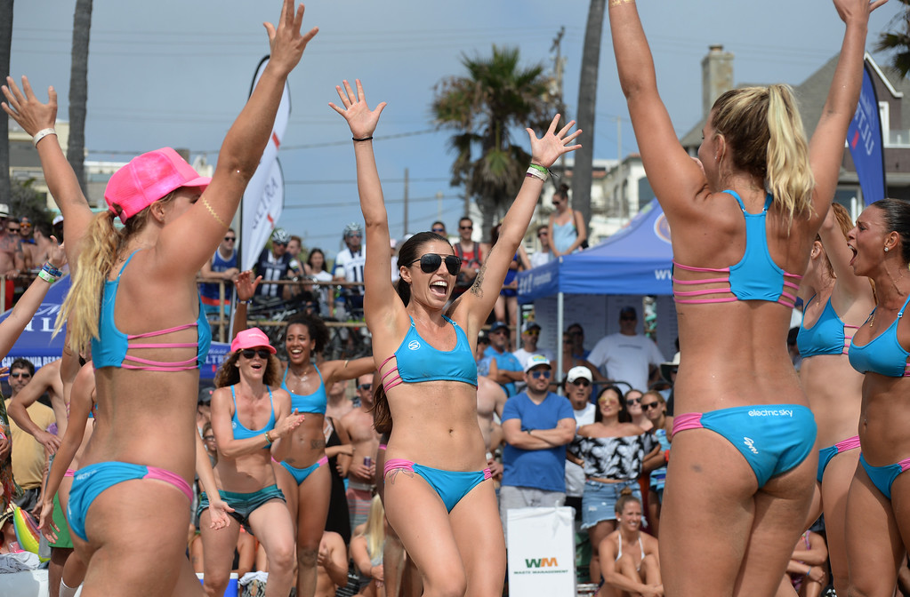 . Team Horny Unicorny celebrates as they win the finals of the Charlie Saikley 6-Man Beach Volleyball tournament Saturday, August 05, 2017, Manhattan Beach, CA.  Team Fletch won the men\'s open competition and Horny Unicorny won the women\'s. (Photo by Steve McCrank, Daily Breeze/SCNG)