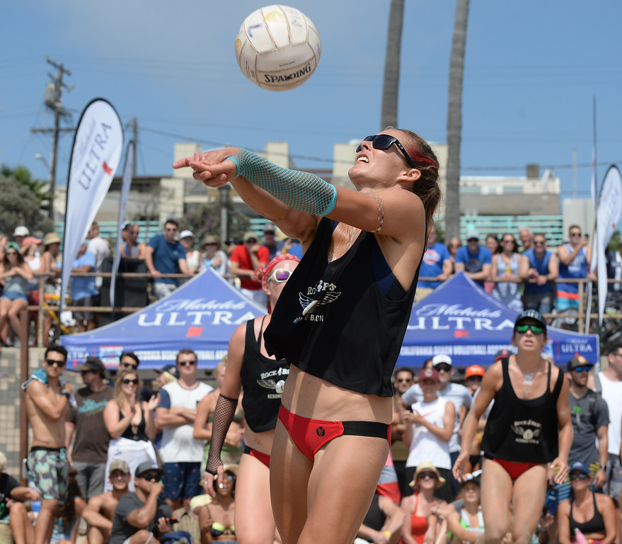 . Rock & Brews makes a return in the finals of the Charlie Saikley 6-Man Beach Volleyball tournament Saturday, August 05, 2017, Manhattan Beach, CA.  Team Fletch won the men\'s open competition and Horny Unicorny won the women\'s. (Photo by Steve McCrank, Daily Breeze/SCNG)