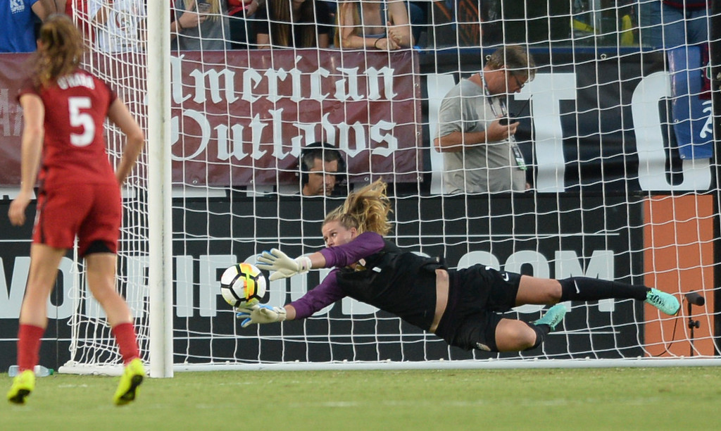 . USA keeper Alyssa Naeher (1) makes a diving save on one of  Japan\'s few shots on goal in the first half of the final womens soccer game of the Tournament of Nations at the StubHub Center Thursday, August 03, 2017, Carson, CA.  USA held a 1-0 lead at halftime. (Photo by Steve McCrank, Daily Breeze/SCNG)