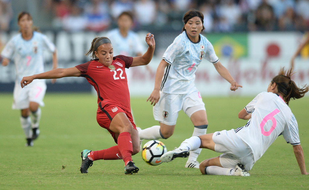 . USA\'s Mallory Pugh (22) gets the ball upfield past Japan\'s Rumi Utsugi (6) in the final womens soccer game of the Tournament of Nations at the StubHub Center Thursday, August 03, 2017, Carson, CA.  USA held a 1-0 lead at halftime. (Photo by Steve McCrank, Daily Breeze/SCNG)