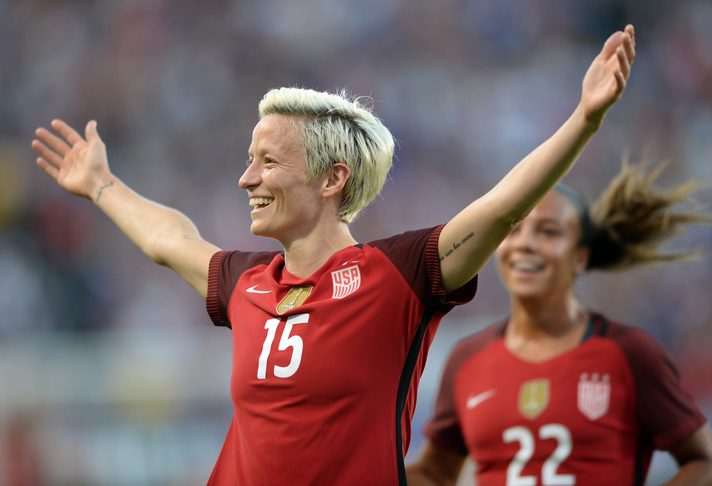 . USA\'s Megan Rapinoe (15) celebrates her goal with the crowd after unleashing a powerful kick past Japan in the final womens soccer game of the Tournament of Nations at the StubHub Center Thursday, August 03, 2017, Carson, CA.  USA held a 1-0 lead at halftime. (Photo by Steve McCrank, Daily Breeze/SCNG)