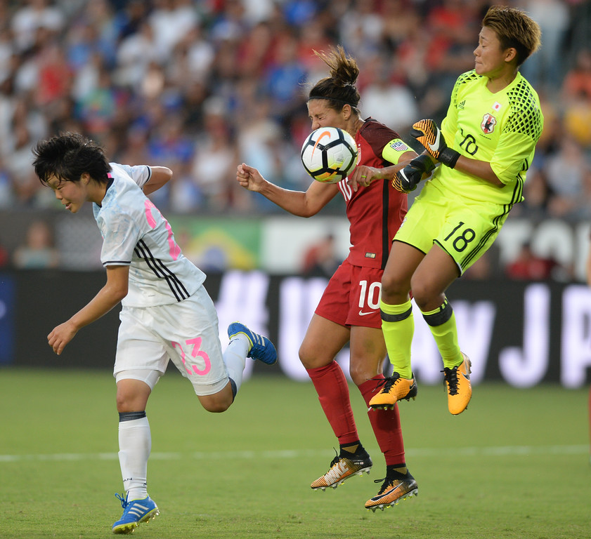 . Japan\'s keeper Ayaka Yamashita (18) collides with USA\'s Carli Lloyd (10) in front of the goal in the final womens soccer game of the Tournament of Nations at the StubHub Center Thursday, August 03, 2017, Carson, CA.  USA held a 1-0 lead at halftime. (Photo by Steve McCrank, Daily Breeze/SCNG)