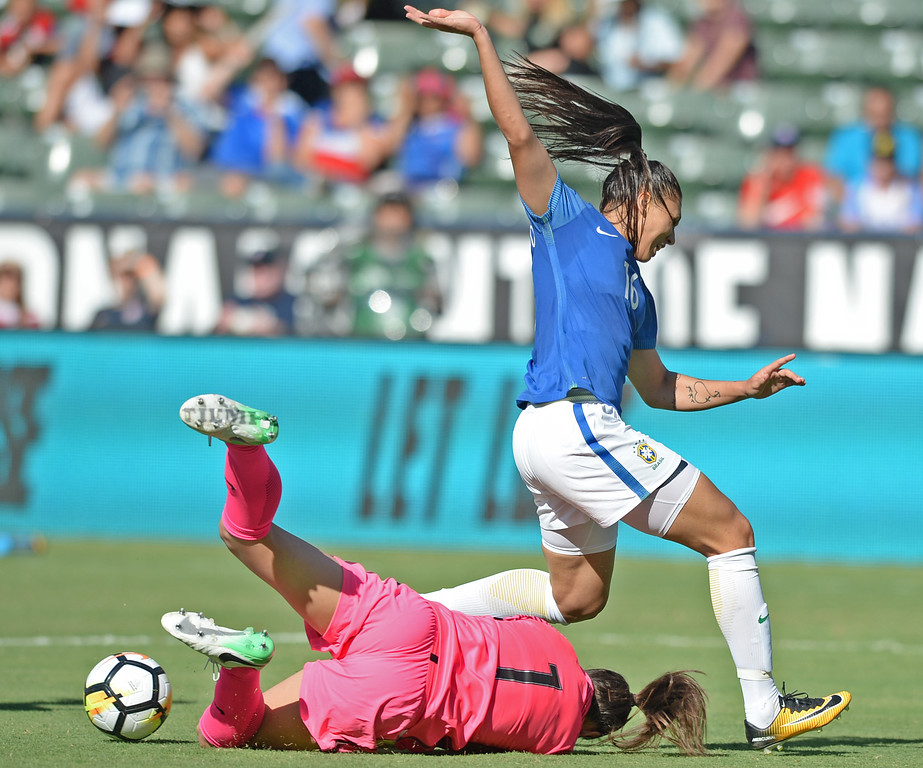 . Australia\'s keeper Mackenzie Arnold (1) makes the save under Brazil\'s  Bia Zaneratto (16) in the final soccer game of the Tournament of Nations at the StubHub Center Thursday, August 03, 2017, Carson, CA.  Australia won 6-1 and the win gives them the tournament title. (Photo by Steve McCrank, Daily Breeze/SCNG)
