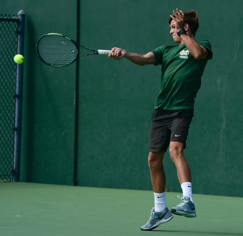 . Mira Costa\'s Alex Fry returns a volley against Palos Verdes in the number 1 doubles match of a Bay League tennis match Tuesday, April 18, 2017, Palos Verdes Estates. (Photo by Steve McCrank, Daily Breeze/SCNG)