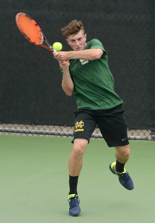 . Mira Costa\'s Tommy Kendall returns a volley against Palos Verdes in the number 3 singles game of a Bay League tennis match Tuesday, April 18, 2017, Palos Verdes Estates. (Photo by Steve McCrank, Daily Breeze/SCNG)