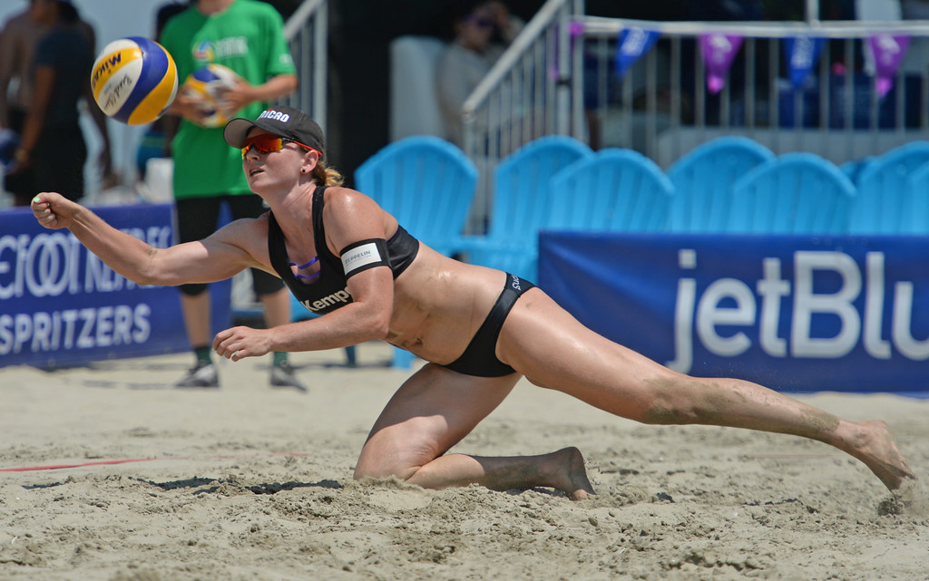 . German Julia Sude lunges for the ball in quarterfinals of World Series of Beach Volleyball Friday, July 14, 2017, Long Beach, CA.  Labourer and Sude lost to Brazilians Larissa and Talita. (Photo by Steve McCrank, Daily Breeze/SCNG)