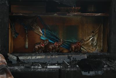 """Цахилгаан тогооны """"сүйтгэсэн"""" өрөөсөн углааштай үлдсэн АМЬДРАЛ"""