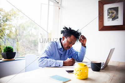 UmuziStock_Me_andmy_Laptop_100.jpg