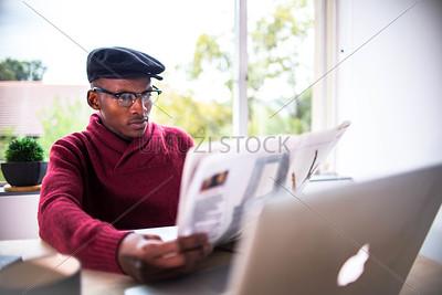 UmuziStock_Me_andmy_Laptop_111.jpg