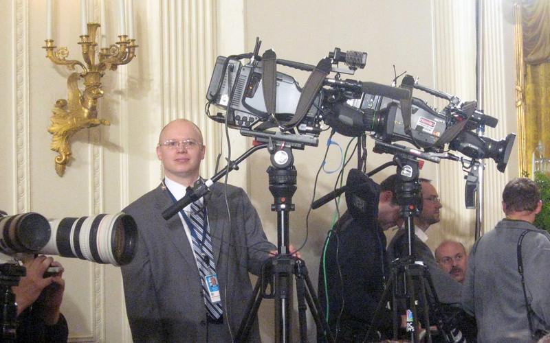 The media awaits the President.