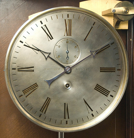 VR-381 Gorgeous dial in excellent condition